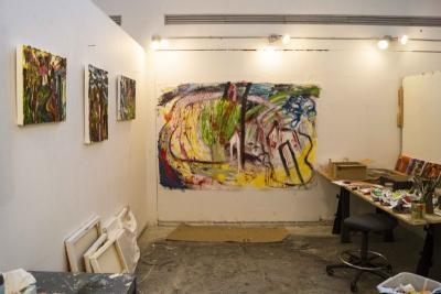 V - Studio